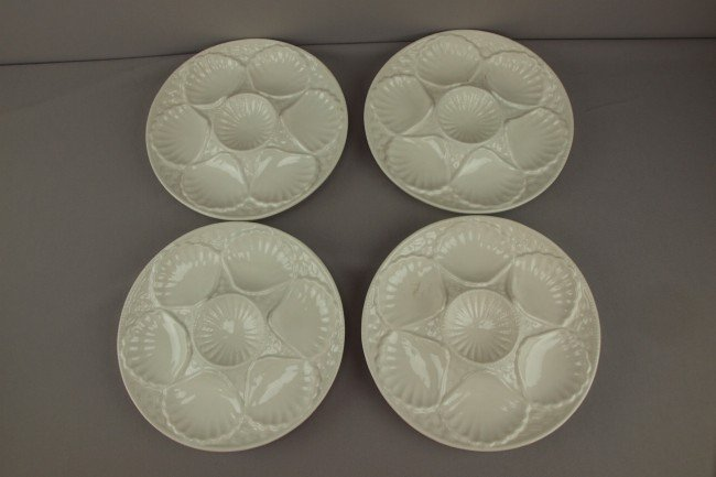 15: Set of 4-6 well white  California USA oyster plates