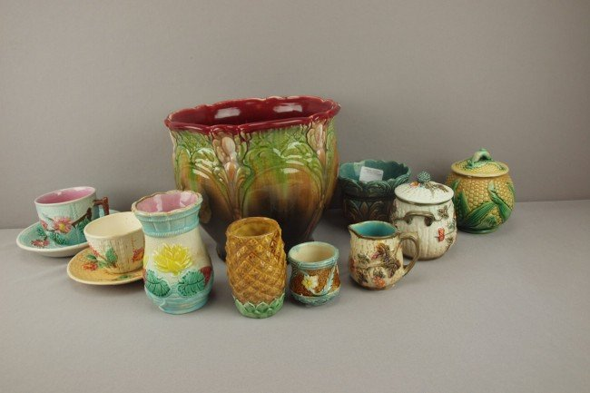 18: Majolica lot of 10 assorted pieces - 2 jardinieres,