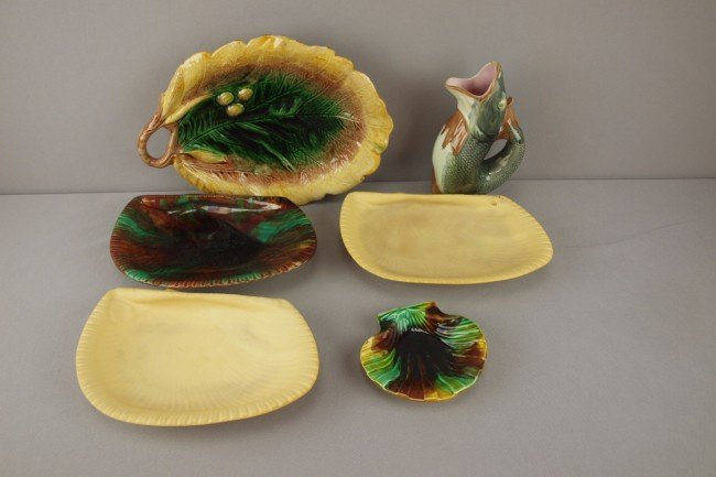 19: Majolica group of 6 pieces -  fish pitcher, oak lea