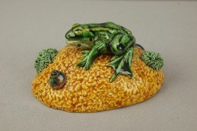 GEOFFREY LUFF Contemporary  Majolica Frog On Yello