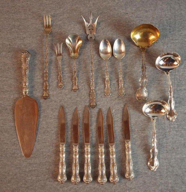 11: Gorham Strasbourg sterling silver items - cake serv