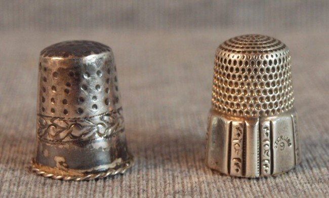 18: Sterling silver pair of thimbles