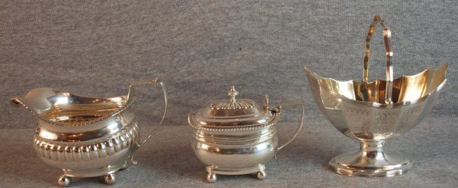 20: 3 pieces os sterling silver - creamer - London 1812