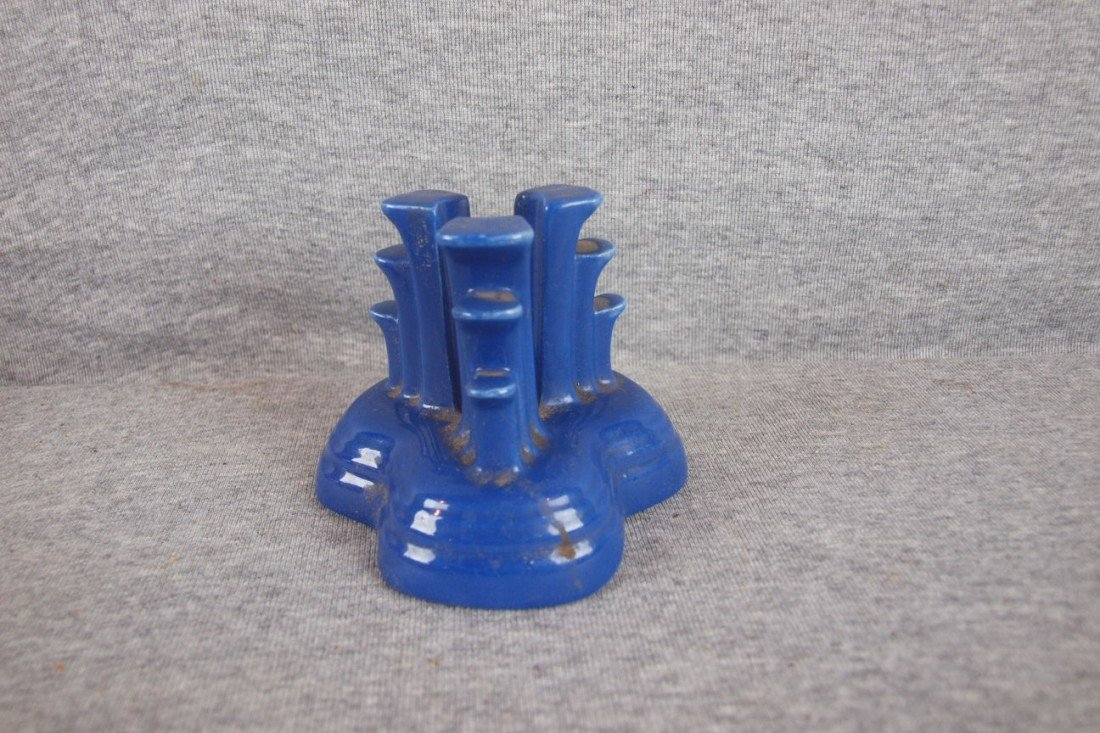 4: Fiesta cobalt single tripodcandle holder