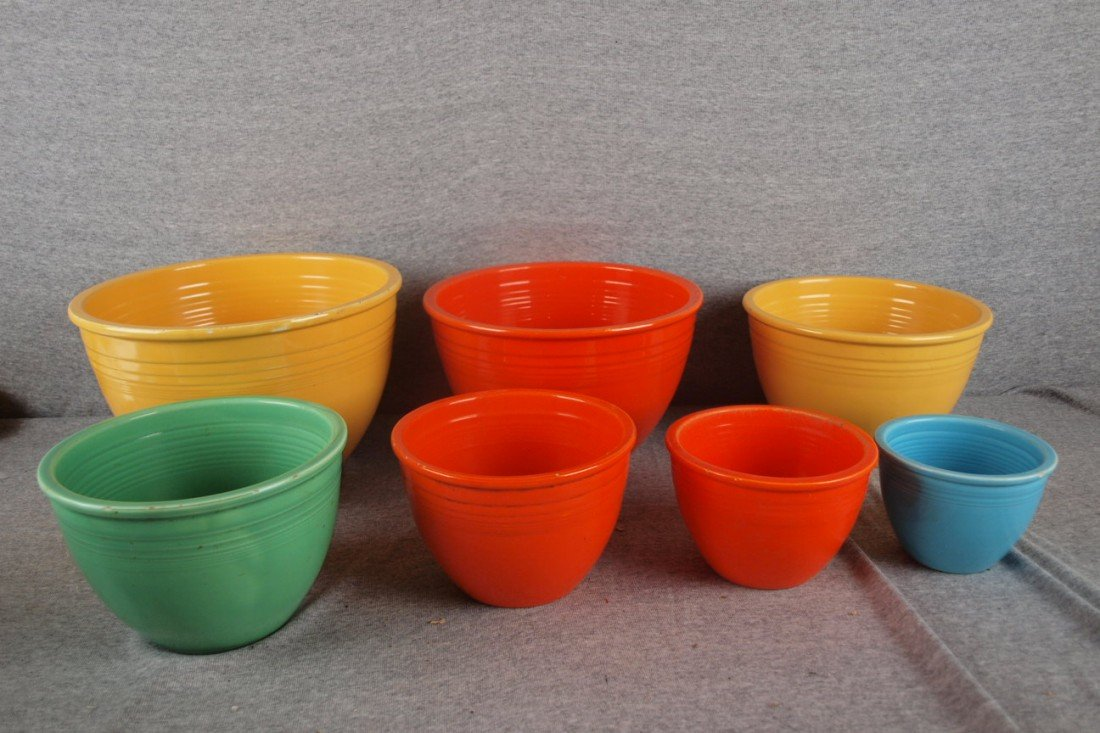 638: Fiesta set of 7 nested mixingbowls, various colors