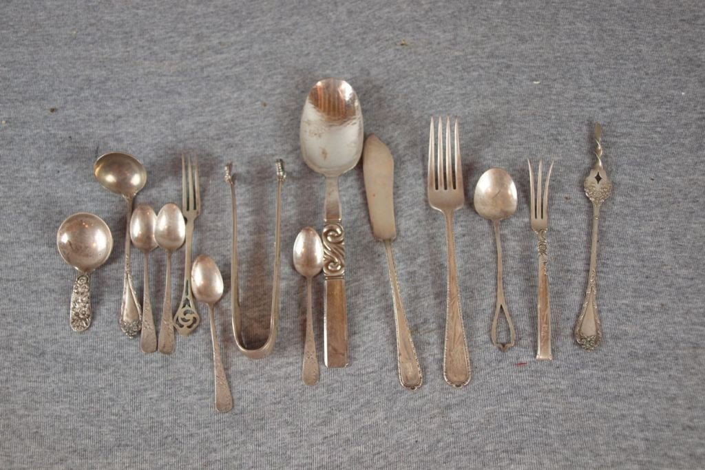 8:  Lot of assorted sterling flatware, 14 pieces, 12.8o
