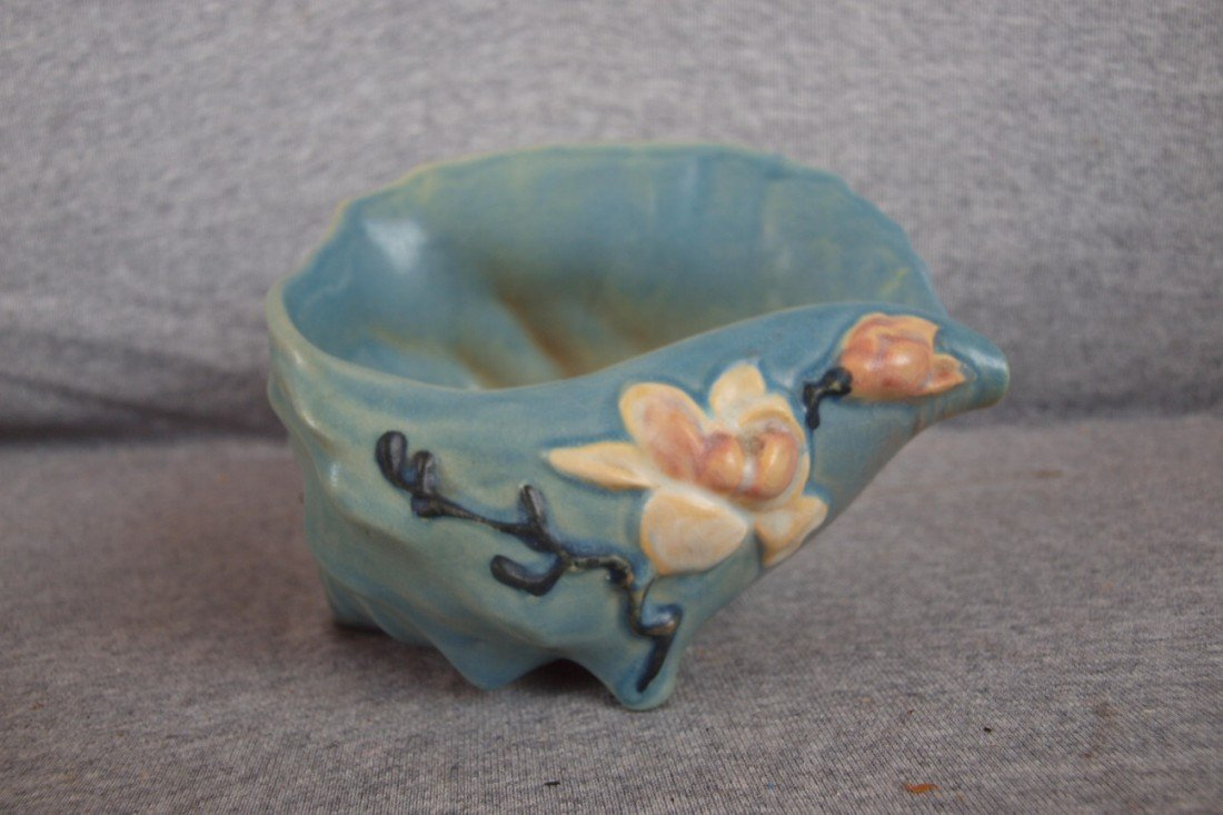 4: Roseville Magnolia blue shell planter, 453-6""