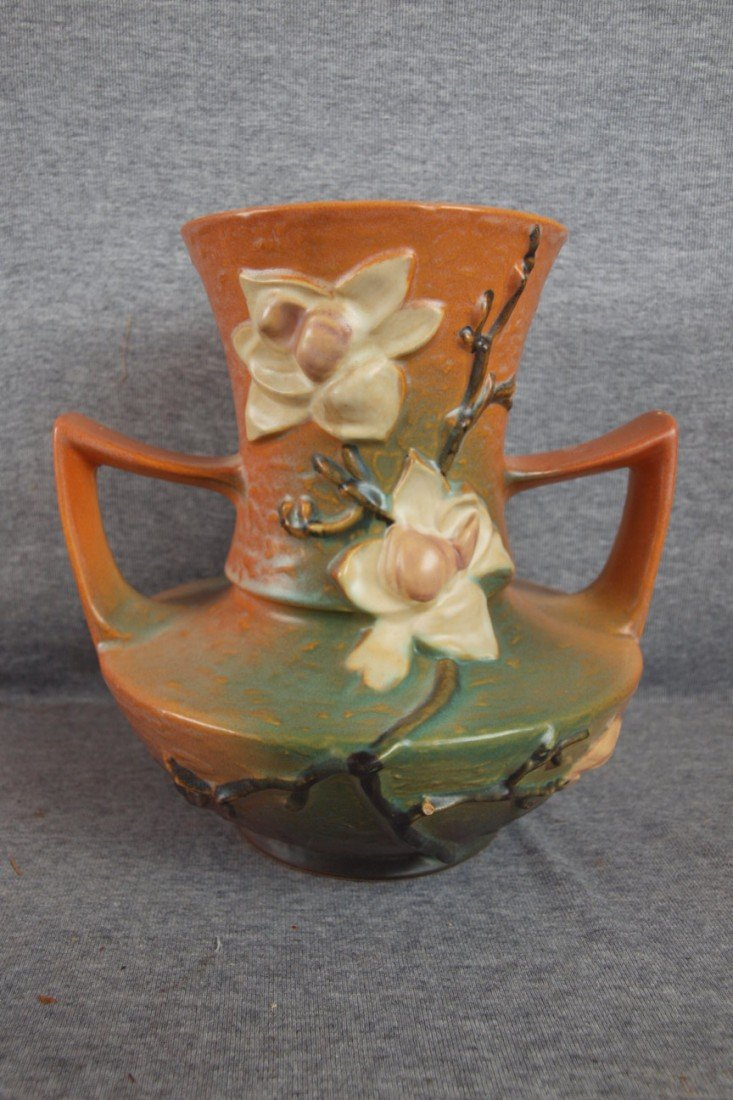 "7: Roseville Magnolia brown 2 handled vase, 93-9"", chip"