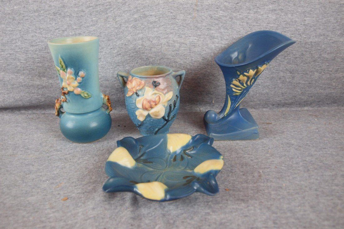 17: Roseville lot of 4 items - blue Apple Blossom vase