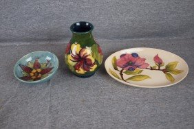 Moorcroft Lot Of 3 Pieces, Bowl, Vase And Oval Tray