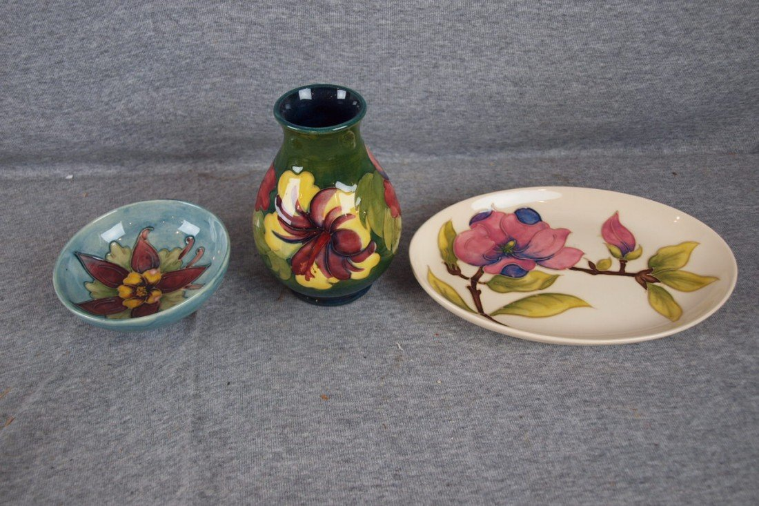 34: Moorcroft lot of 3 pieces, bowl, vase and oval tray