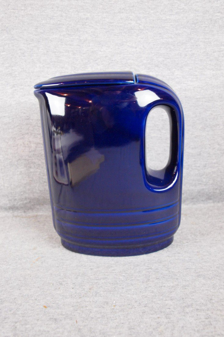 67: Hall Westinghouse water server with lid, cobalt blu
