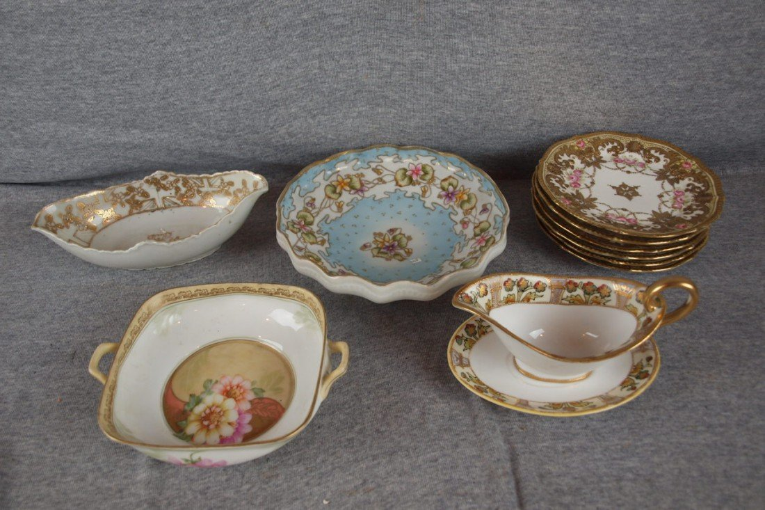 224: Nippon lot of 10 items - 3 bowls, sauce boat with