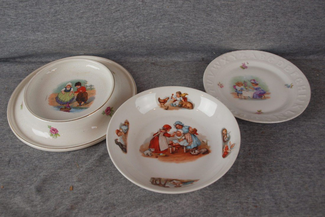 231: Lot of 3 child's plates and bowls