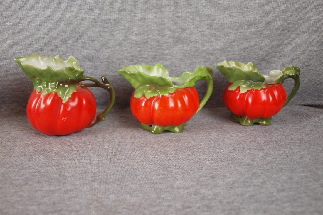 238: Royal Bayreuth lot of 3 tomato creamers