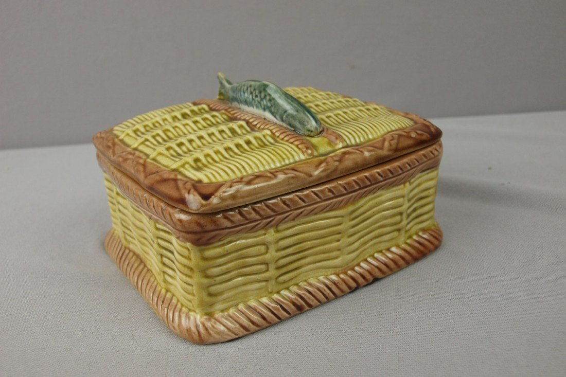 10:  Majolica basketweave sardine box with fish on cove
