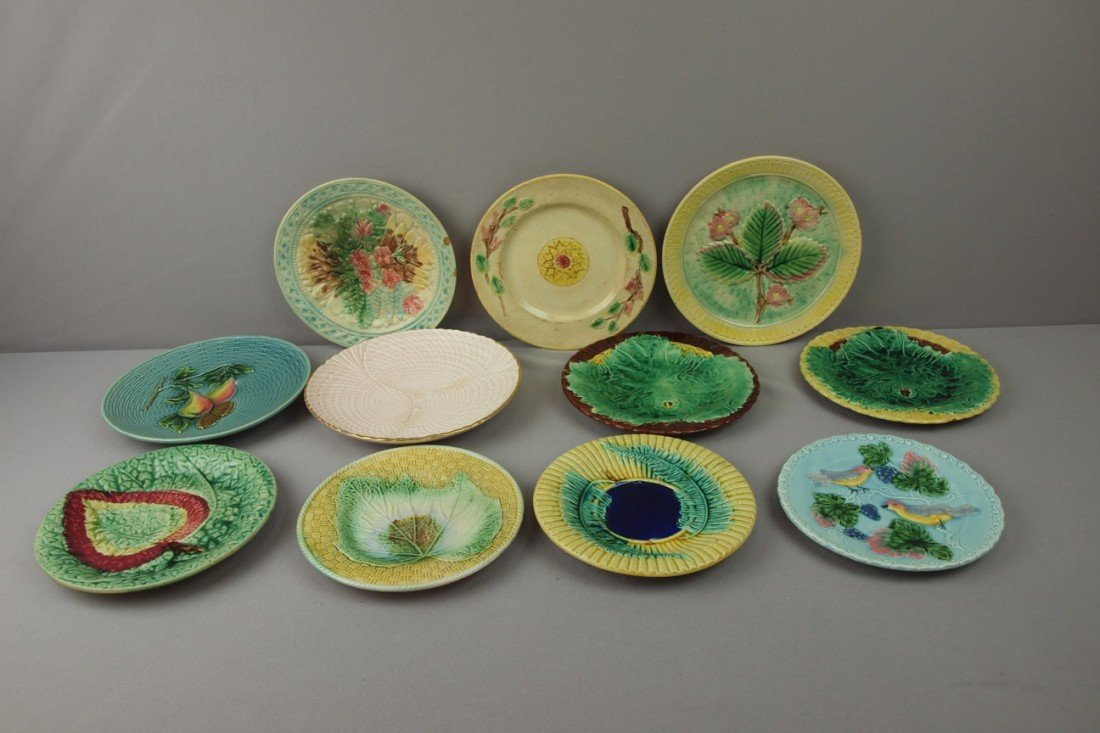 17:  Majolica lot of 11 plates, various condition