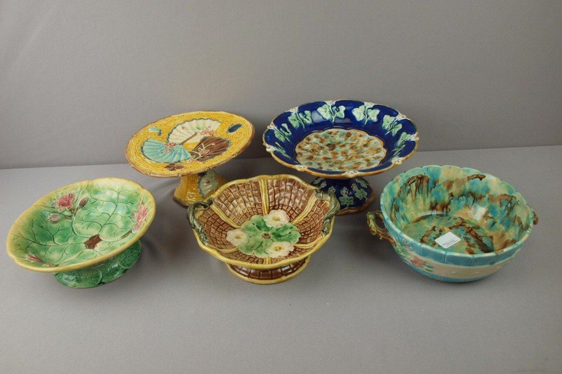 21:  Majolica lot of 5 bowls and comports, various cond