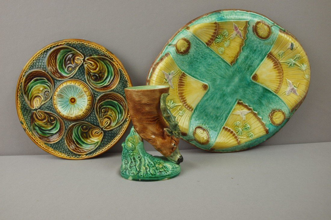 38:  Majolica lot of 3 items - French fish head oyster
