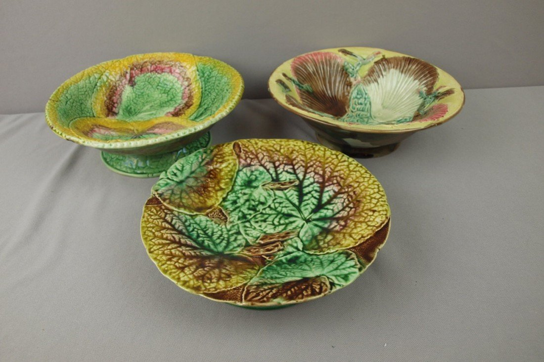 72:  Majolica lot of 3 bowls and comports, various cond