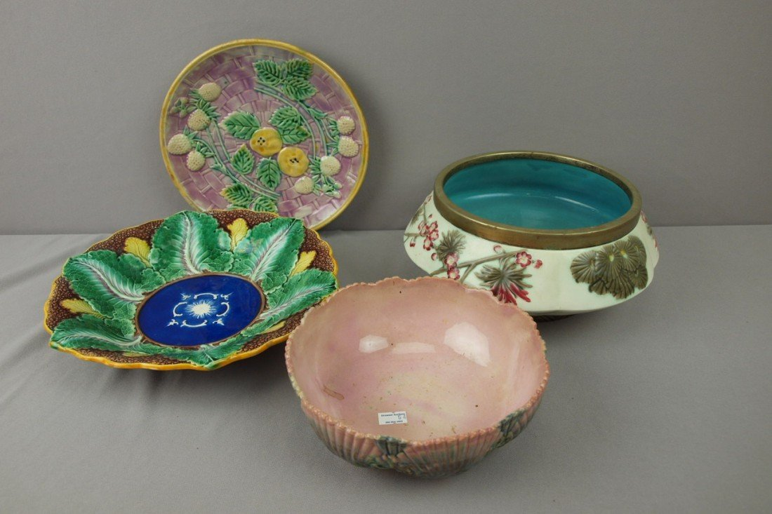 81:  ETRUSCAN and WEDGWOOD lot of 4 pieces - shell and