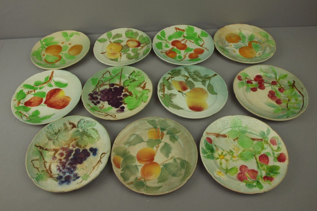 "101:  St. Clement set of 11-8"" fruit plates"