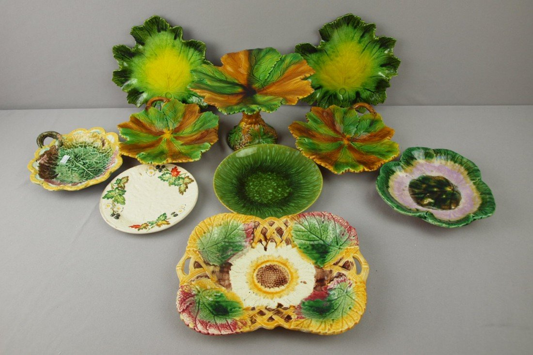 106:  Majolica lot of 10 plates, trays and comport, var