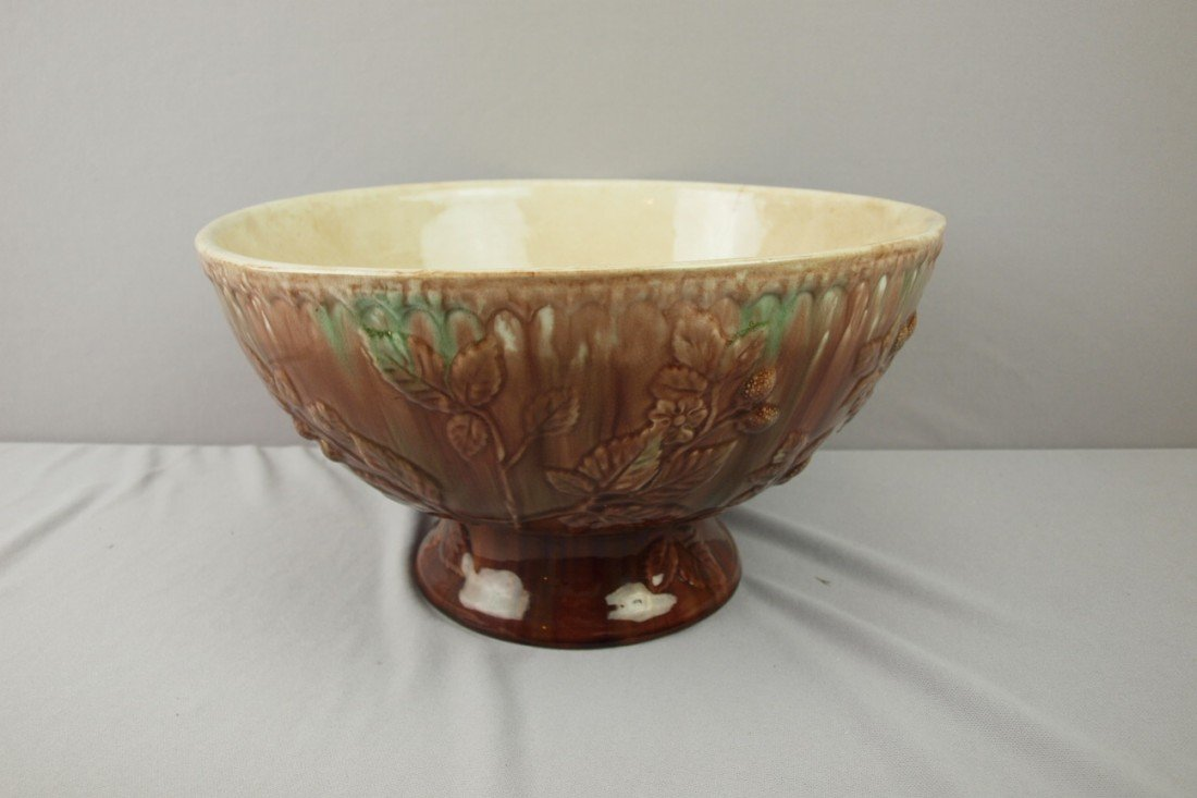 119:  Wannopee rare form large majolica punch bowl with