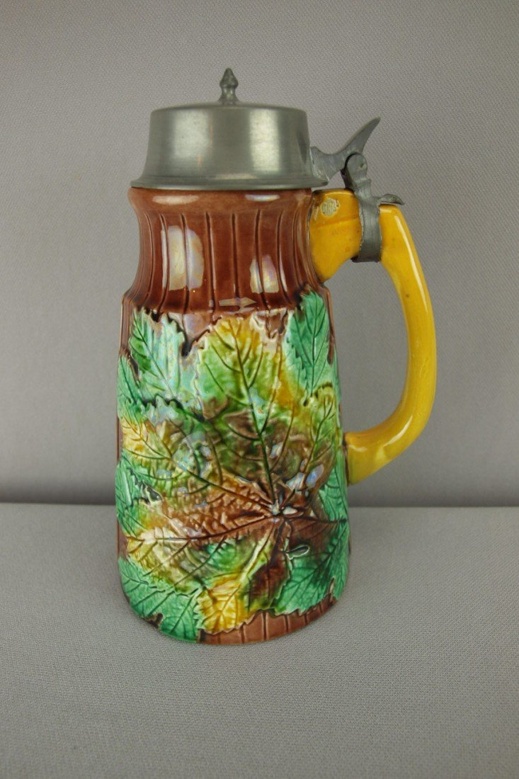 156:  Maple leaves and picket fence syrup pitcher with