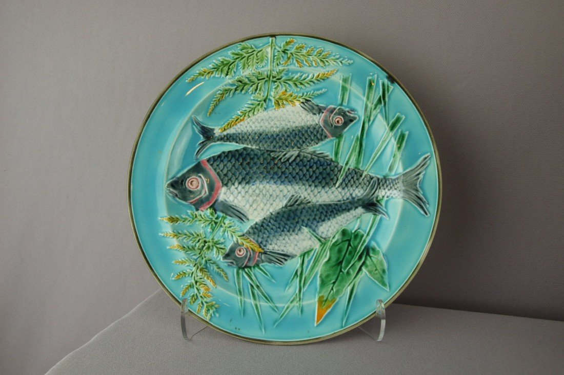 523:  WEDGWOOD turquoise triple fish and fern plate, 8