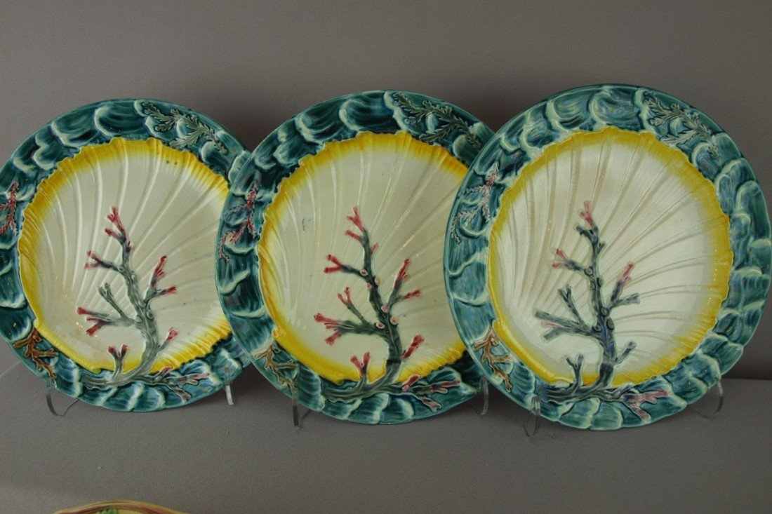 """536:  WEDGWOOD set of 3-8 3/4"""" """"Ocean"""" plates with gree"""
