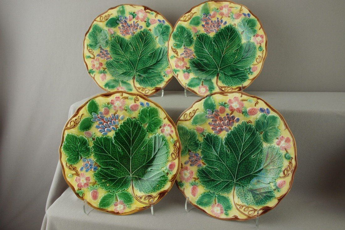 """539:  WEDGWOOD majolica set of 4-8 3/4"""" strawberry and"""