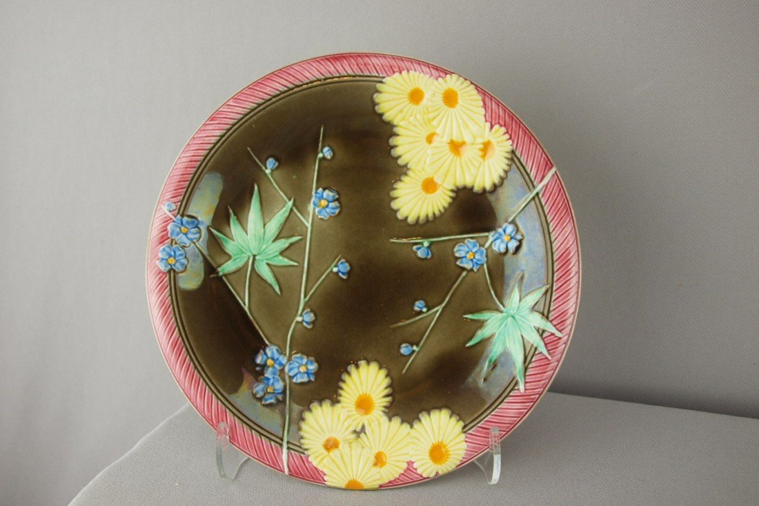"""544:  WEDGWOOD majolica plate with prunus blossoms, 8"""""""