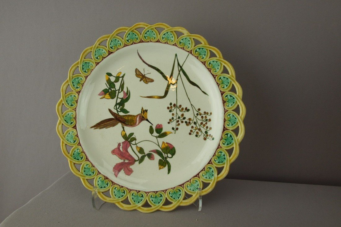 547:  WEDEWOOD botanical plate with woodpecker, butterf