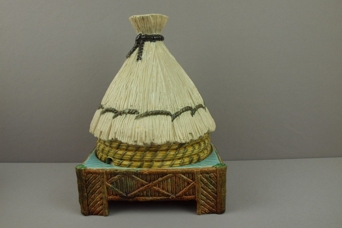 584:  GEORGE JONES majolica thatched hut full size chee