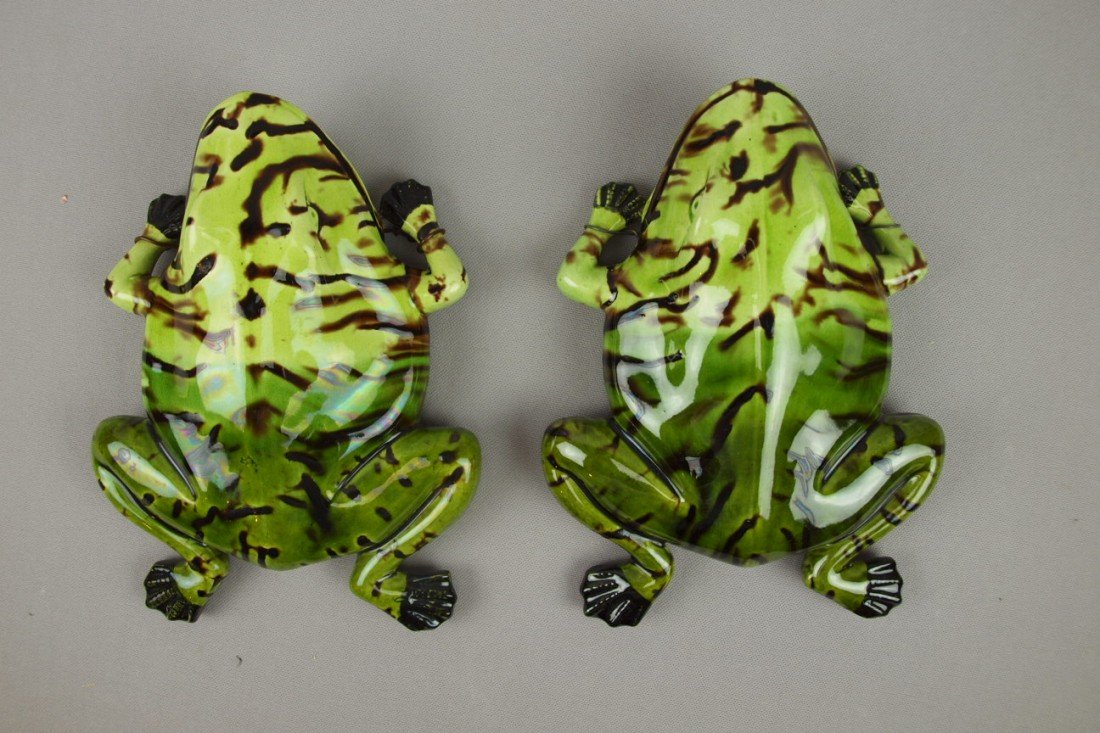 """650:  Portugal pair of frog wall pockets, 9"""""""