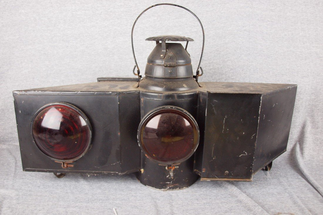64: Handlan rare 2 light double sided lantern with 3 re
