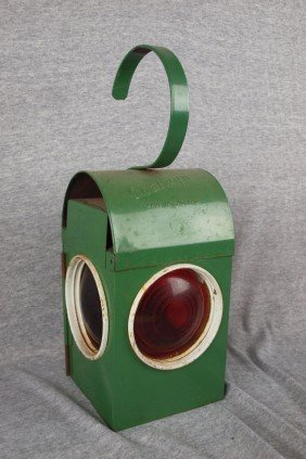 Chalwyn English Railroad Lantern With 3 Red Lenses