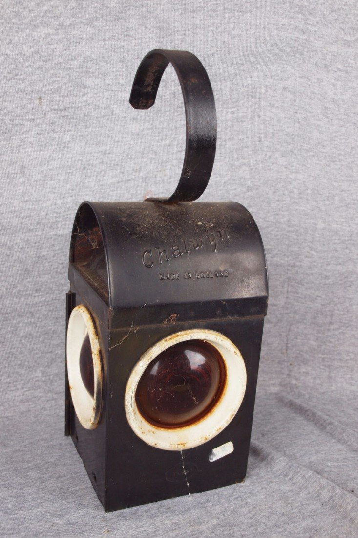 125: Chalwyn English railroad lamp with 3 red lenses