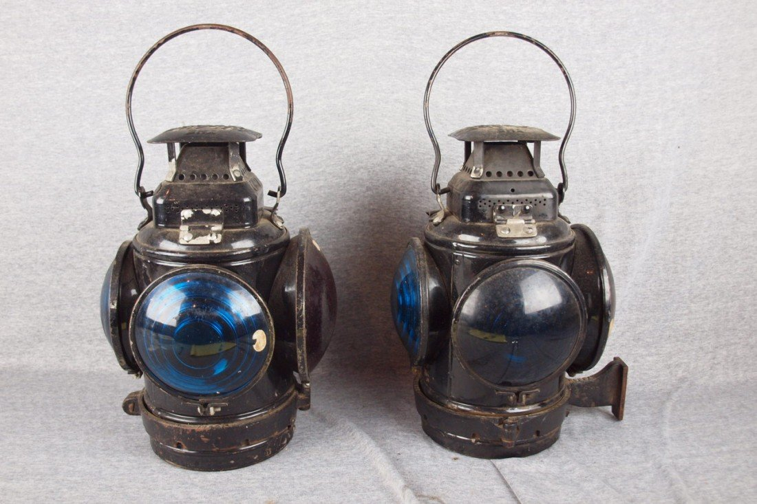 131: Adlake pair of marker lights each with 3 blue and
