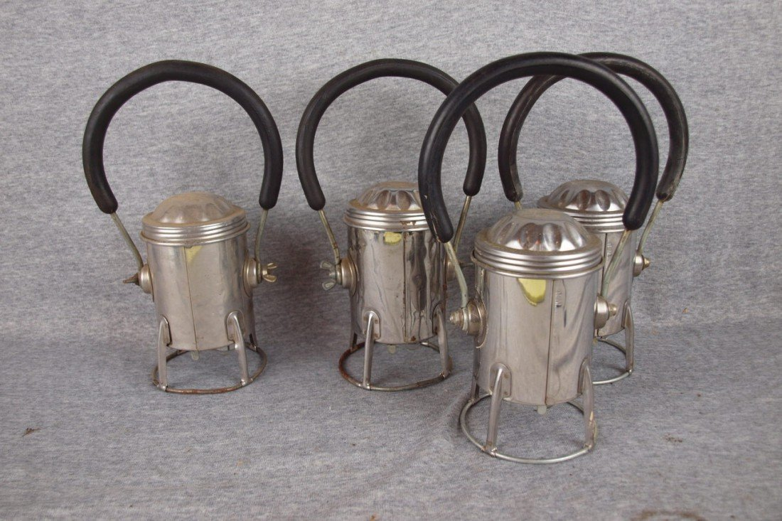 164: Lot of 4 Conger Lantern Co battery operated railro