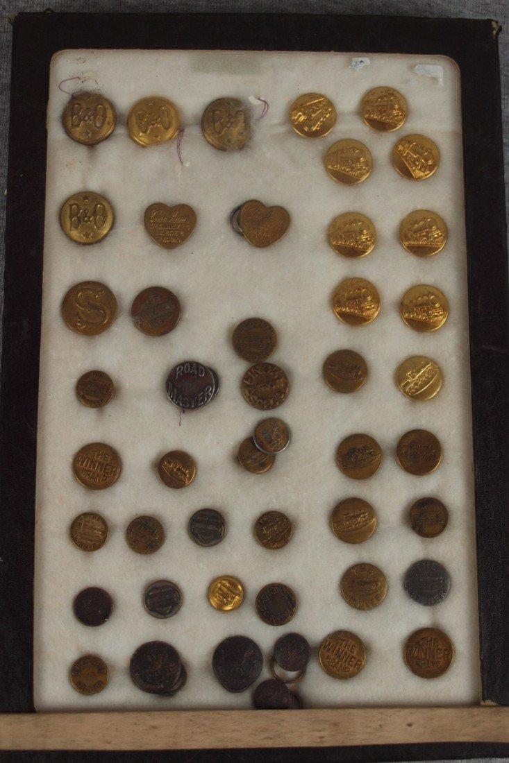 41:  Lot of 47 assorted railroad uniform buttons, B&O a