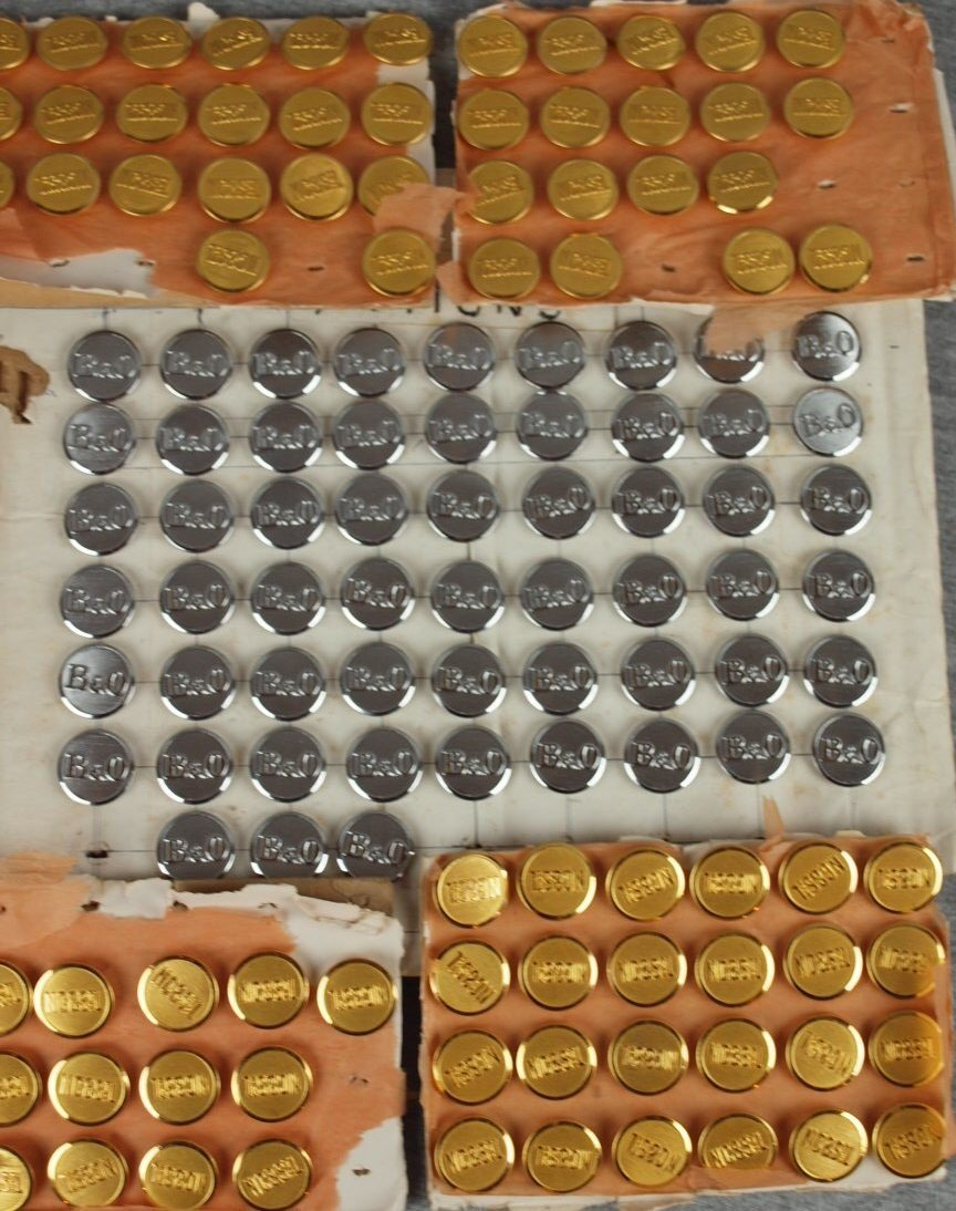 42: Lot of 79 NC&StL and 57 B&ORR uniform buttons