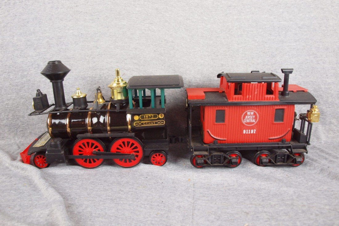 117: Jim Beam 2 piece train whiskey bottle decanter set