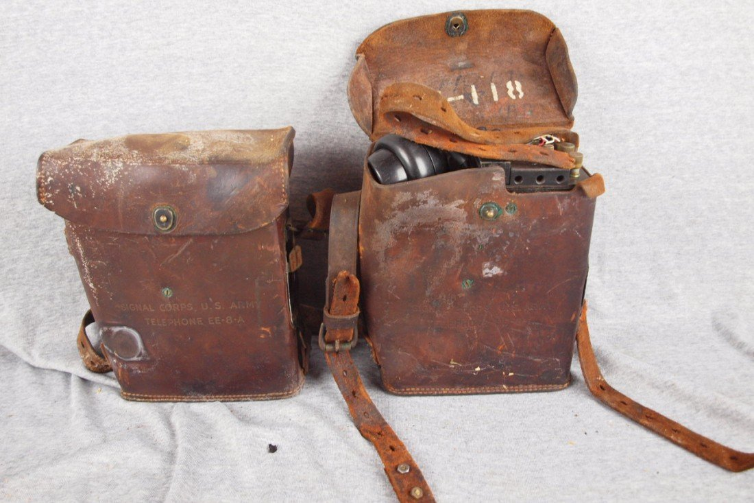 166:  Pair of WWII Signal Corps US Army telephones, EE-