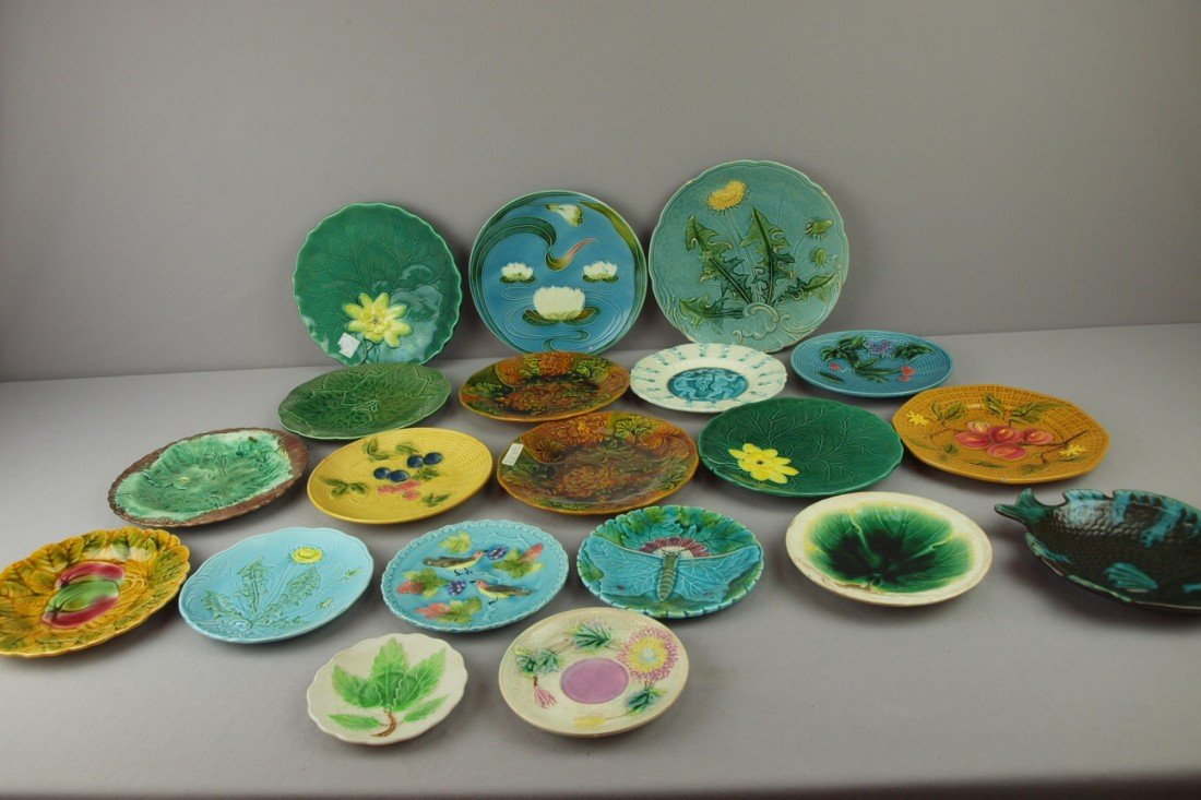 6: Majolica lot of 20 plates, trays and saucers, variou
