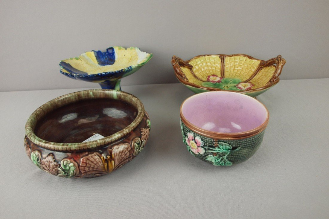 7: Majolica lot of 2 comports and 2 bowls, various cond