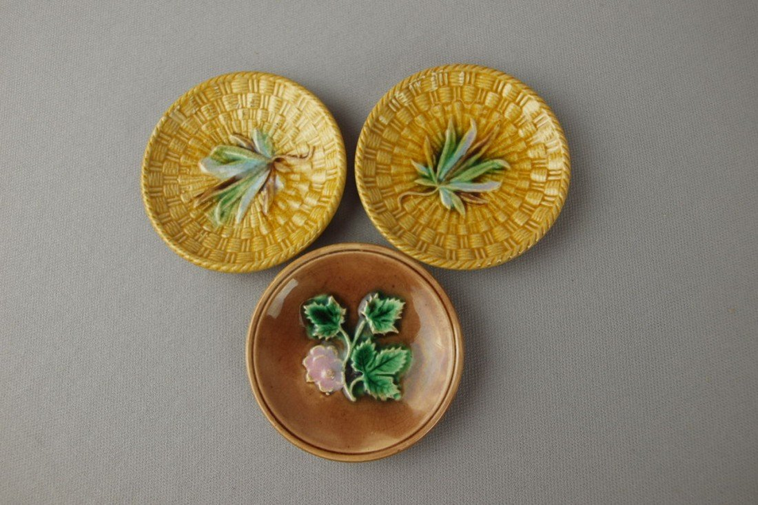 11: Majolica lot of 3 butter pats, 2 with minor hairlin
