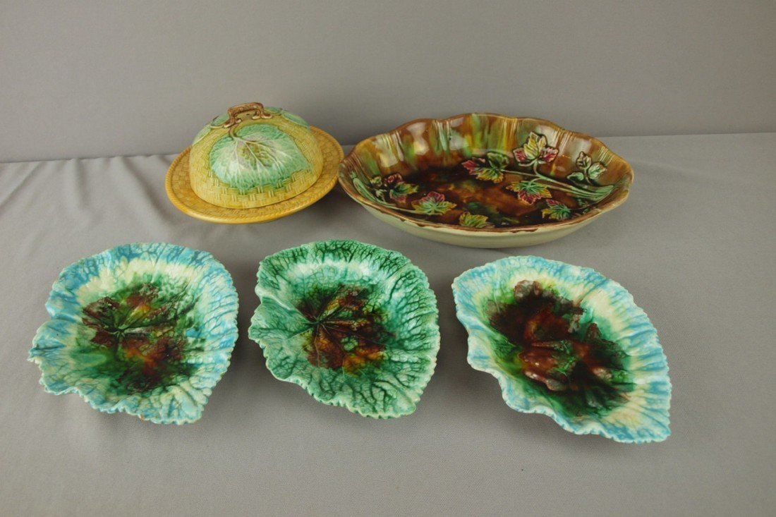 179: Majolica lot of 5 pieces - 3 begonia dishes, butte