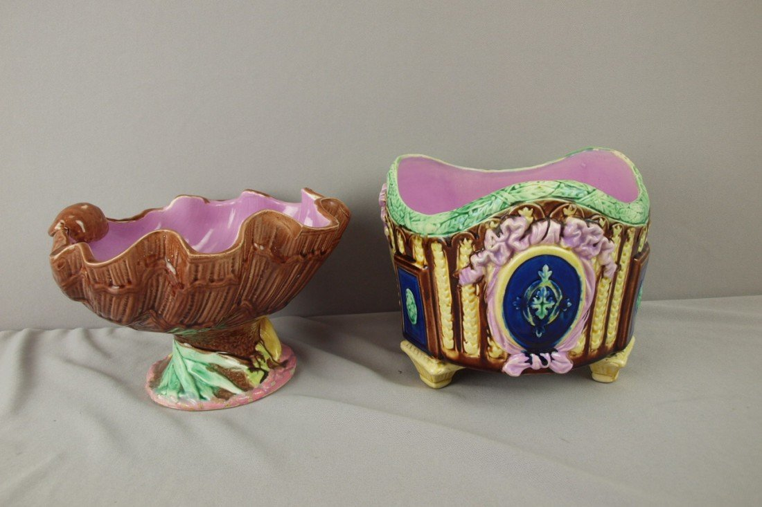 183: Majolica shell comport and footed jardiniere, nice